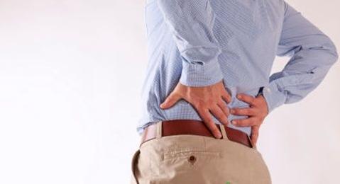 搬重物后腰疼怎么办_艾灸的正确方法_操作_艾灸疗法_艾灸TOP网